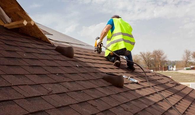 memilih tukang atap rumah
